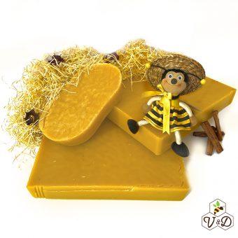 Пчелен восък от пчеларска биоферма V&D